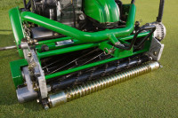 220e E-Cut hybrid greens mower with QA cutting unit.jpg