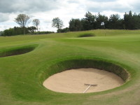 4. Excellent conditioned Pot bunkers