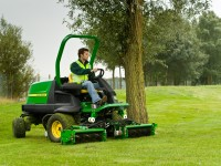 8400 Commercial mower F