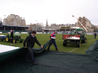 Darren(pink)removes the last frost cover on 18 Dec