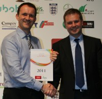 Simon Gumbrill (left) of Campeys with xx of Everris at the IOG awards night 2011   CROPPED