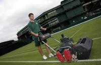 AM04 Wimbledon groundstaff 14.jpg