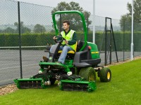 8400 Commercial mower