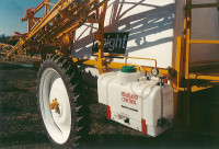 Headland Control a separate spray tank to apply less hazardous chemicals, which pre dated the arrival of ATV sprayers