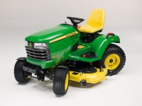 X749 lawn tractor studio A.JPG