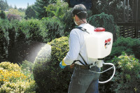 Backpack Sprayer 425 (action)
