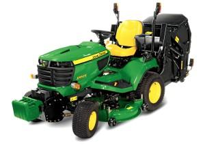 X950R lawn tractor studio