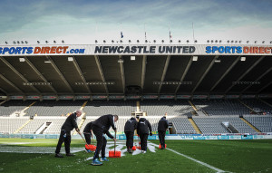 NUFC groundstaff clearing snow