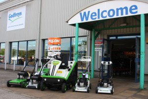 Etesia and Pellenc New Dealer www.etesia.co.uk