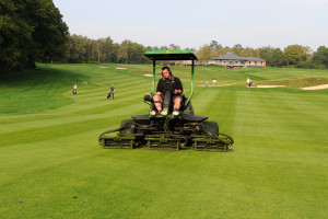 Fairway mowing Primo cuts mr