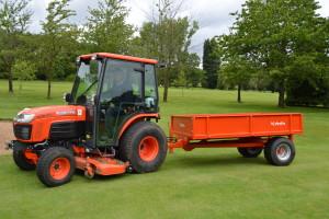 Fulford Heath GC B3030 compact tractor Image 4