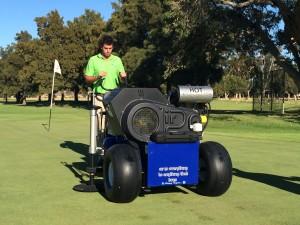 Wihann Steyn of Nanquip demonstrating the Air 2G2 at Somerset West Golf Club