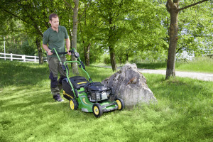 New John Deere PRO 47V professional walk behind mower