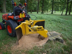 The BLEC Compact Stumpgrinder in action. To be seen at Plantworx (May 14 16, Stoneleigh) P1030372